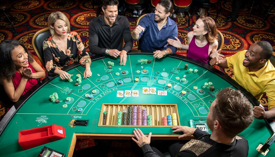 Intertops Poker, Juicy Stakes Brings Blackjack Quest to Players